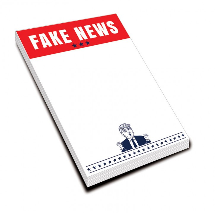"Notizblock ""Fake News"""